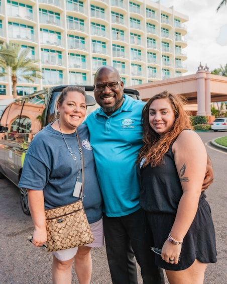 Show item 3 of 10. Bahama Bonanza Sightseeing Tour