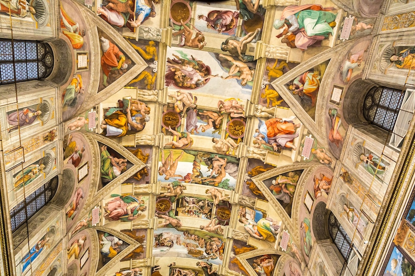 Ver elemento 5 de 10. Entire Vatican Tour & St. Peter's Dome Climb