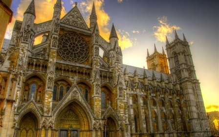 London's Palaces & Parliament. Walking tour of Westminster!
