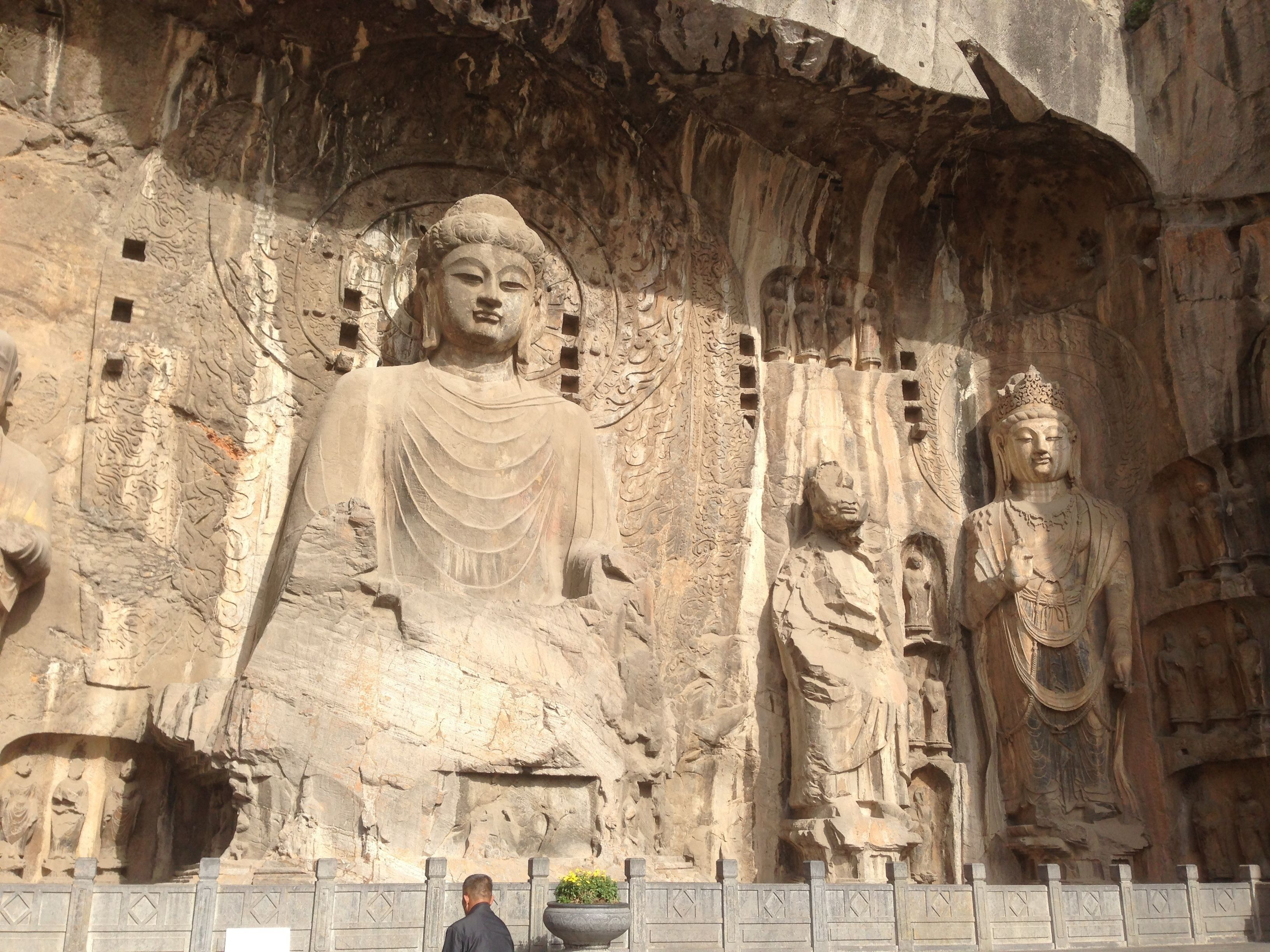 Private Tour of Longmen Grottoes and White Horse Temple
