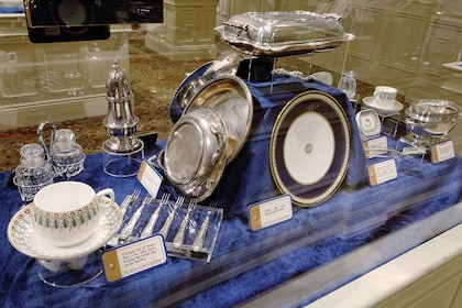 A dining service on display at the Titanic Museum Pigeon Forge