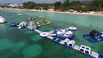 Negril Beach Chill Out & Rick's Cafe