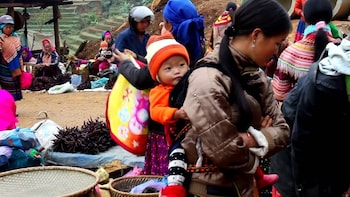 Can Cau Saturday Market Full-day Tour from Sapa