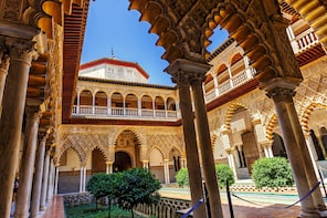 Alcazar of Sevilla Tour with Ticket Included