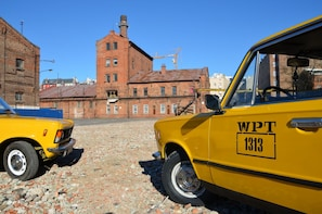 Private Tour: Historic Warsaw by Retro Fiat