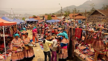 Lung Khau Nhin Market Full Day Tour from Sapa