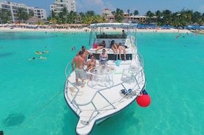 Isla Mujeres Beach & Snorkel with Lunch at Playa Norte