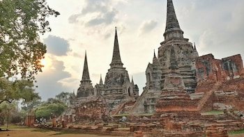 Ancient & Hidden Ayutthaya by Bike (Full Day)