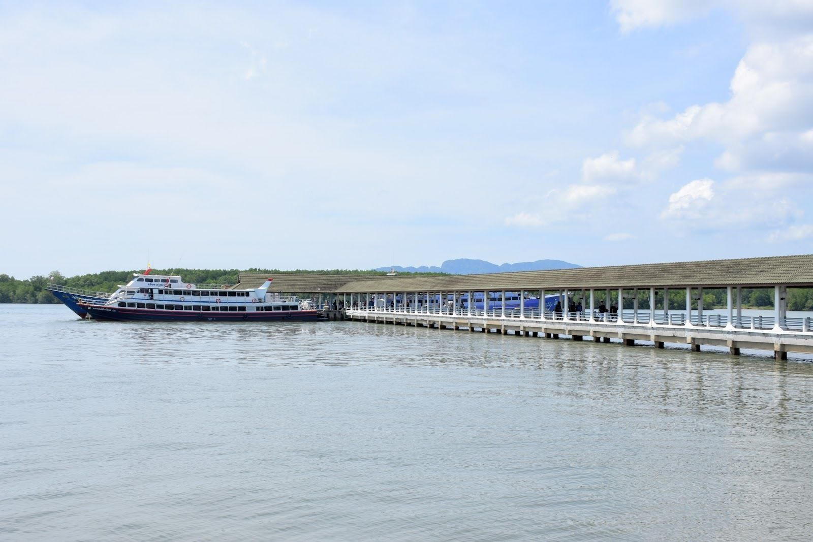 Koh Phi Phi to Koh Tao by Ferry, Coach & Seatran Discovery Ferry