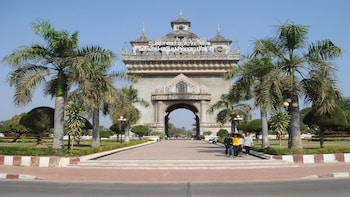 Half Day Vientiane City Tour by Bicycle