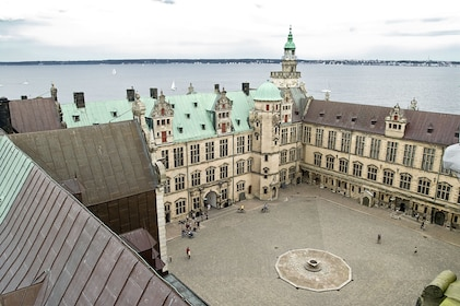 Hamlet and Sweden Tour - two countries in one day!
