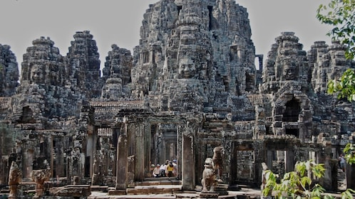 Angkor Wat Small Group Tour with Sunrise Watching