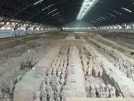 Xi'an One Day Tour by Air with Terra-Cotta Warriorr & Horses