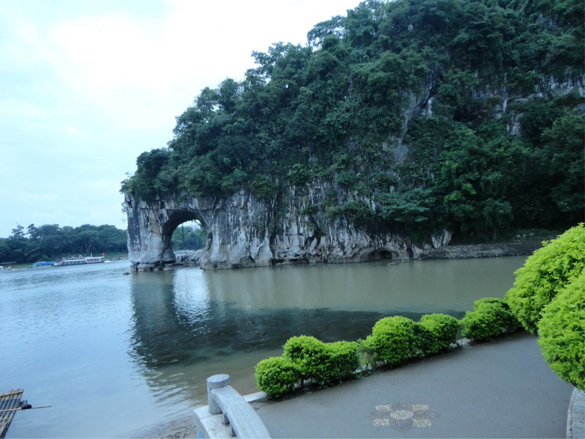 Guilin One Day Excursion Tour By Air including Lunch