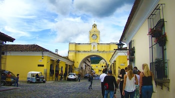 Antigua Guatemala Walking Tour & Hot Springs Full Day