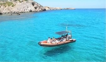 Speedboat and Snorkel in Marine Reserve of Menorca