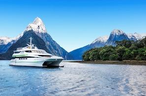 Milford Sound Premium Cruise