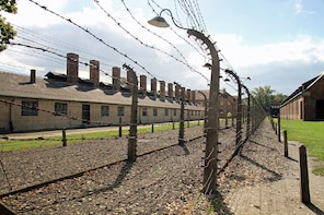 Auschwitz Birkenau Guided Tour: Private Transport and PickUp