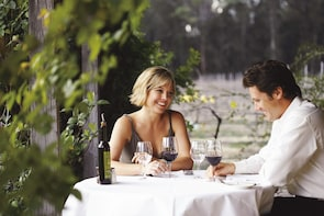 Hunter Valley Scenic Vodka, Wine & Dine Tour with Lunch