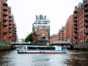 Iris Abicht ship in Hamburg