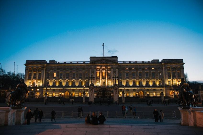 Foto 5 von 10 laden London Big Bus Panoramic Night Tour