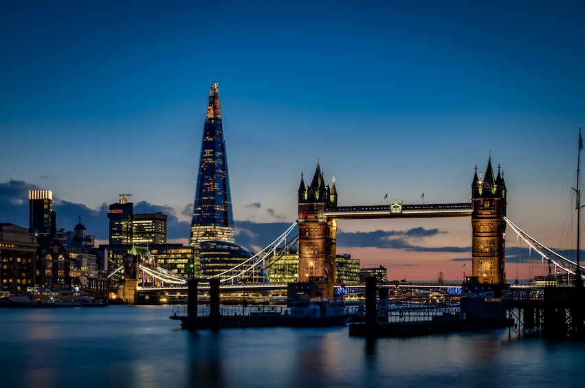 Foto 3 von 10 laden London Festive Big Bus Panoramic Night Tour