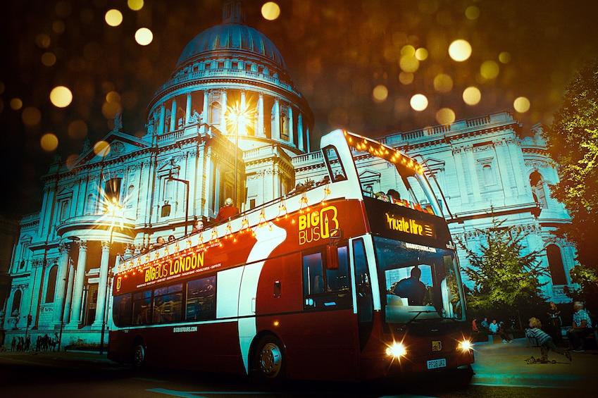 Foto 1 von 10 laden London Festive Big Bus Panoramic Night Tour