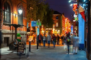 Music, Beer and Whisky: Discover Dublin's Pubs with a Local