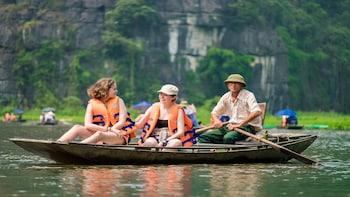 Hoa Lu - Mua Cave - Tam Coc Luxury Day Trip From Hanoi