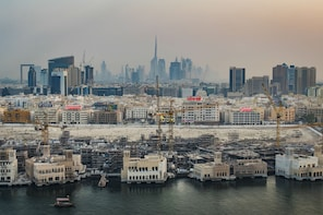 Dubai Street Photo Tour with a professional photographer