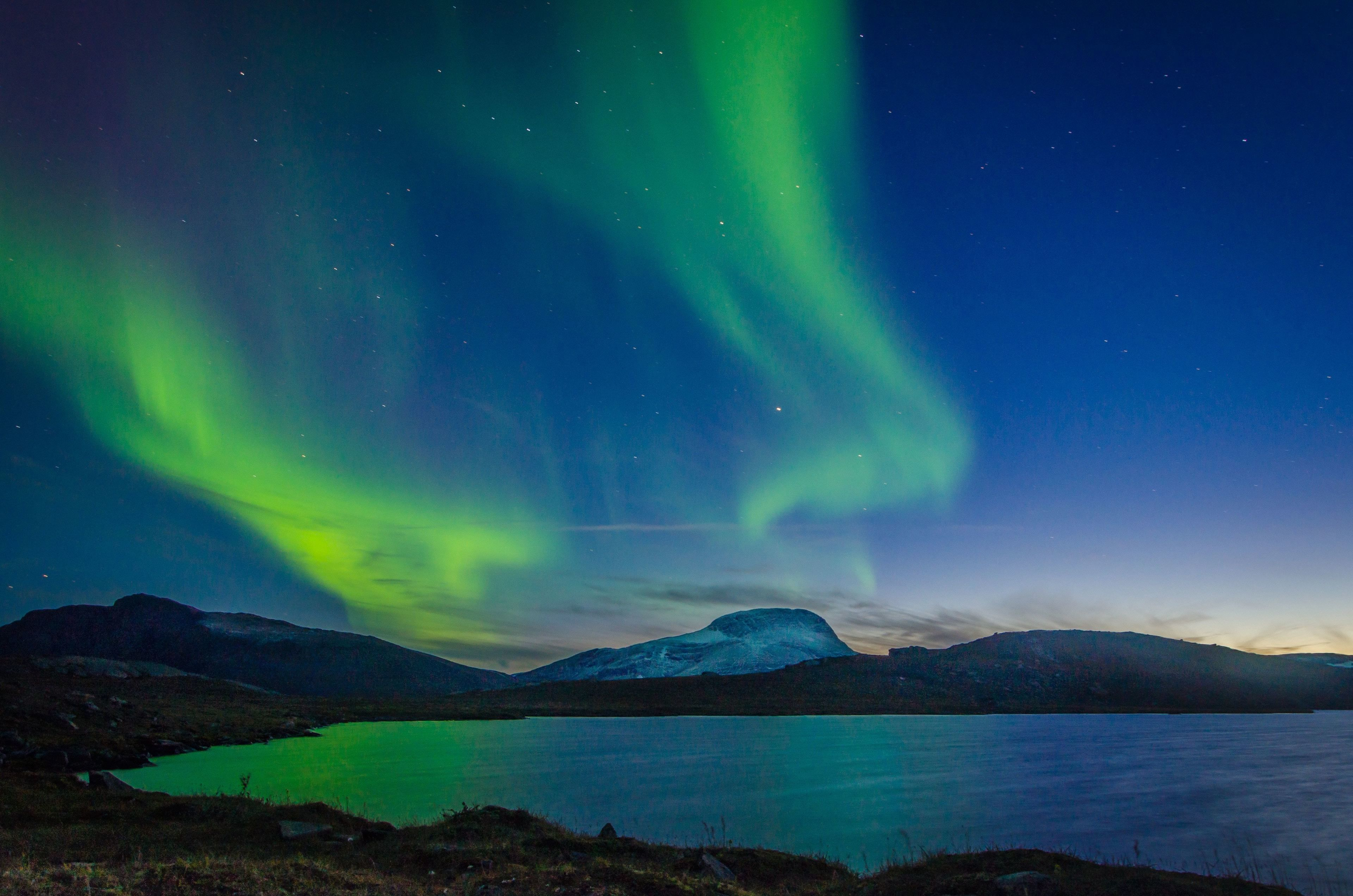 Colorful night views of the Northern Lights in Kiruna