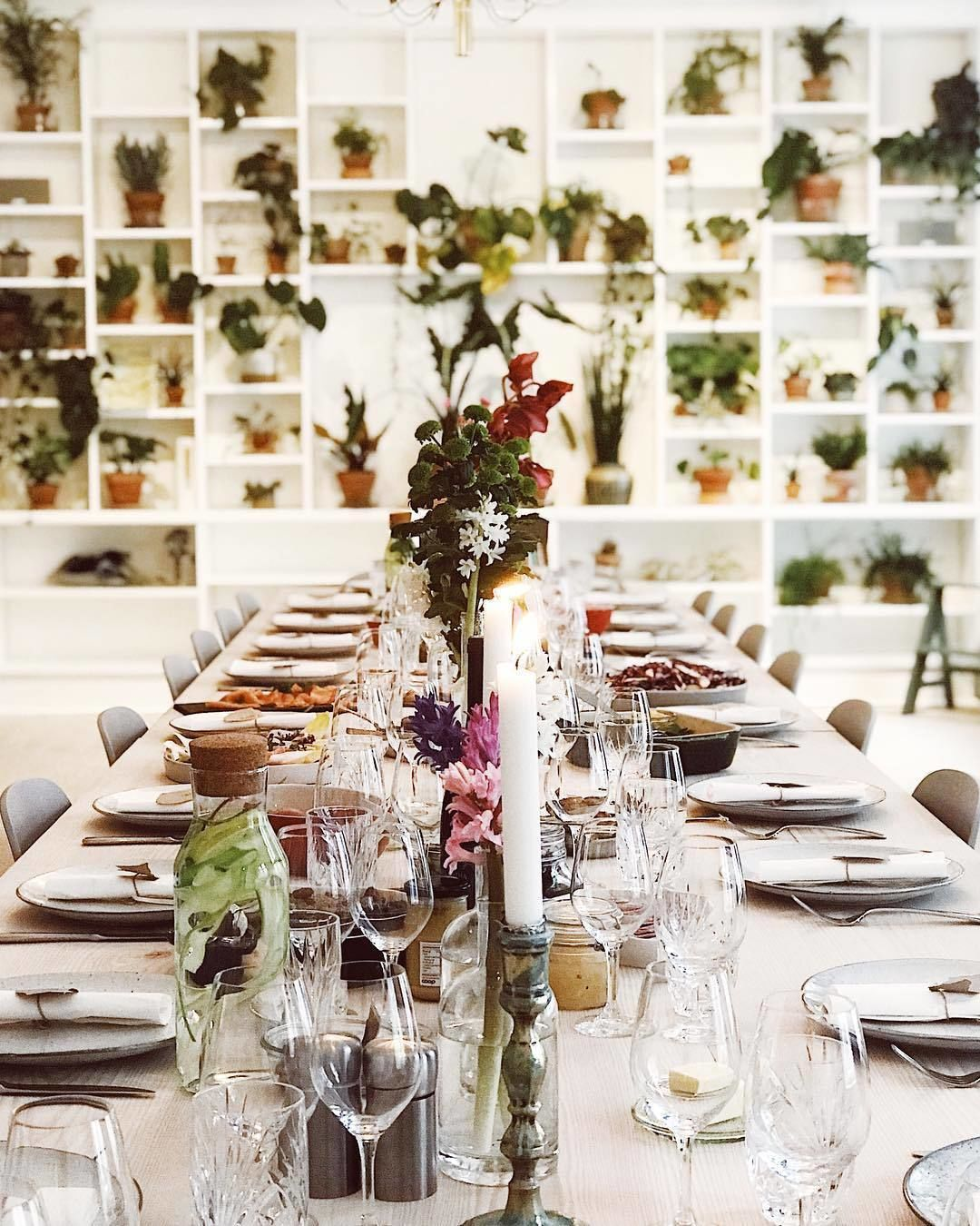 Place settings in a nordic cooking class