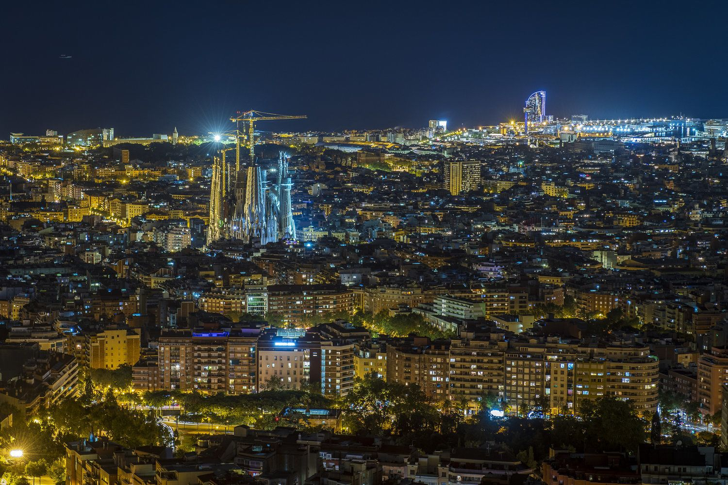 Barcelona Night Photo Tour with a professional photographer