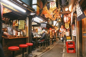 3-hour Food Tour in Shinjuku, Golden Gai Area with a Local