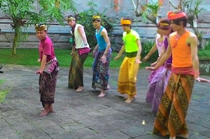 Balinese Dance & Tanah Lot Sunset Private Tour