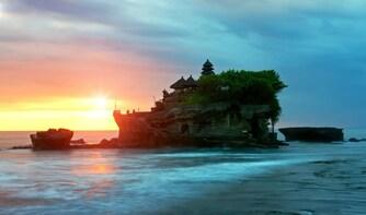 Sunset Jewel of Bali: Taman Ayun & Tanah Lot Private Tour
