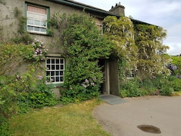 Morning Half-Day Tour of Beatrix Potter Country and Places