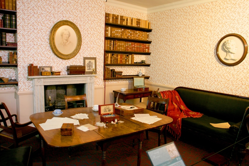 Show item 3 of 4. Office in Bronte tour
