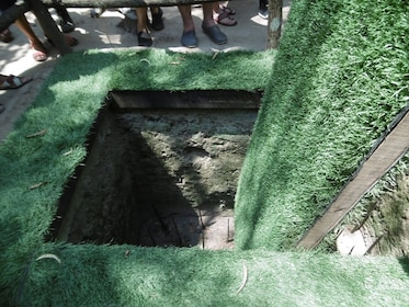 Củ Chi tunnels trap