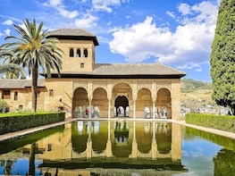 Alhambra Small Group Guided Tour from Málaga & Costa del Sol