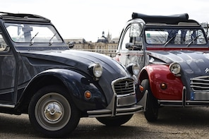 Show item 3 of 6. Private tour of Bordeaux in a Citroën 2CV - 1,5 Hour