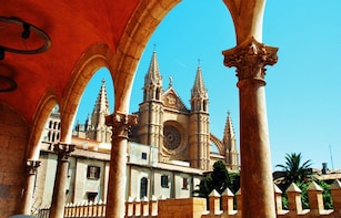 Palma de Mallorca: Guided City Tour & Cathedral Entrance