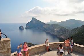 Formentor Half day bus Tour with boat trip