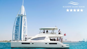 2-3 Hour Luxury Yacht Tour with Breakfast or BBQ in Canal