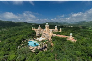 Sun City Resort Tour