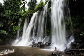Phnom Kulen Waterfall, 1000 Lingas River and Big Buddha