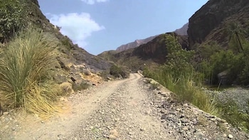 4x4 Day Trip to Wadi Sahtan Mandoos -The Chest of Oman