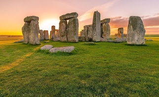 FULL DAY Stonehenge & Bath tour from Brighton