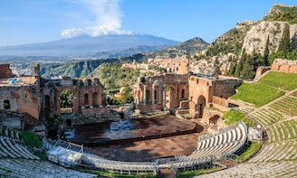 Taormina Walking Tour & Greek Theatre Visit: small group