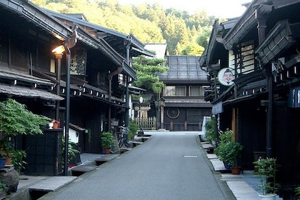 Street and buildings in Takayama